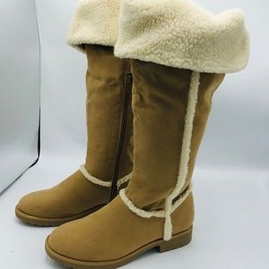 BRAND NEW  FUR LINED BOOTS WITH TAGS
